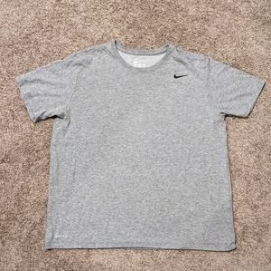 Boys dri-fit plain grey nike t-shirt size XL